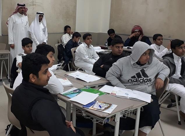 زيارة مدير تعليم قرطبة لمدارس الرواد فرع إشبيلية