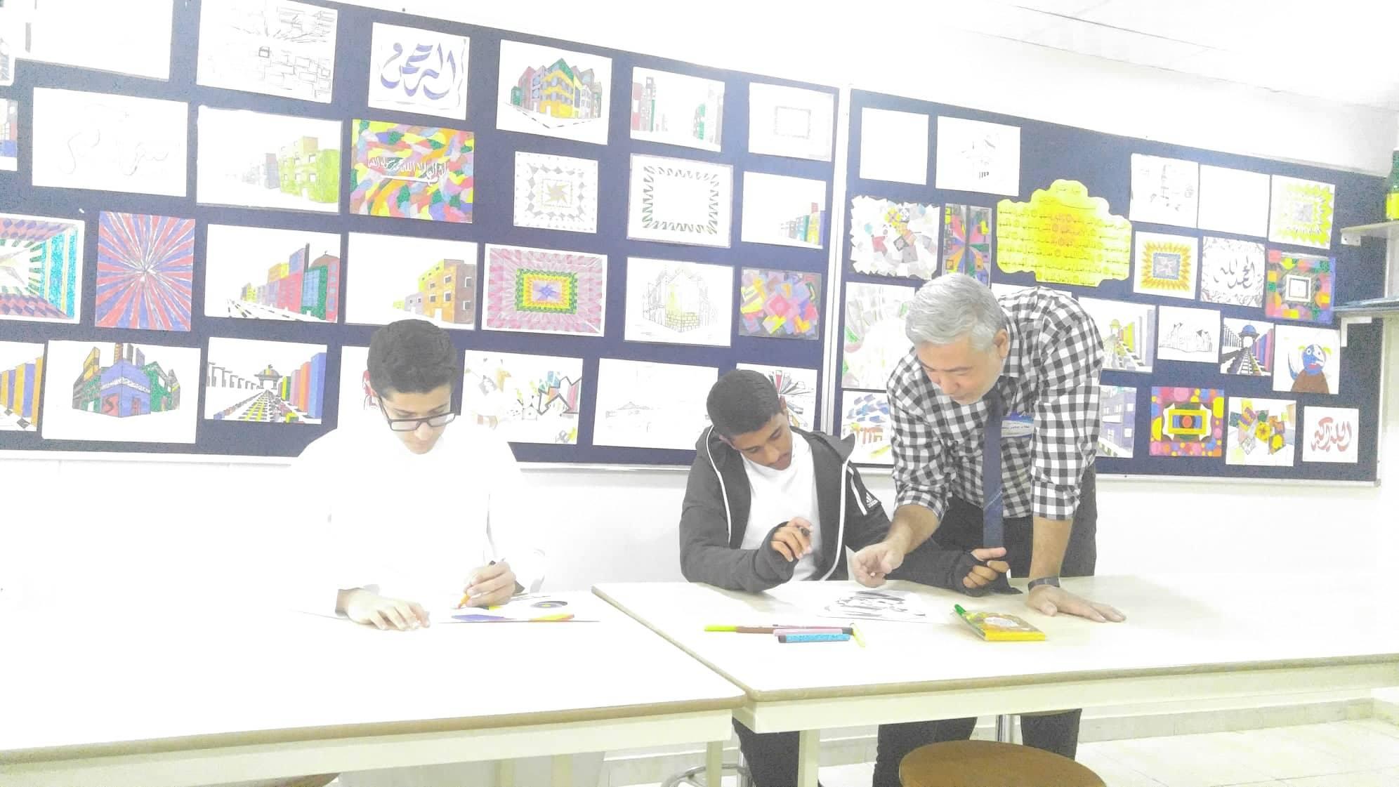 بدء تفعيل النشاط الفني والمهني لدى الطلاب